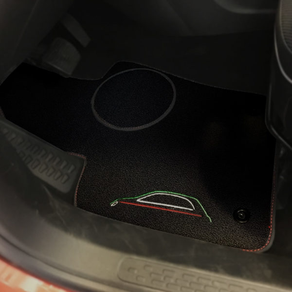 FIAT 500X Floor Mats by 500|SPEEDLAB Black with Italia Logo Driver