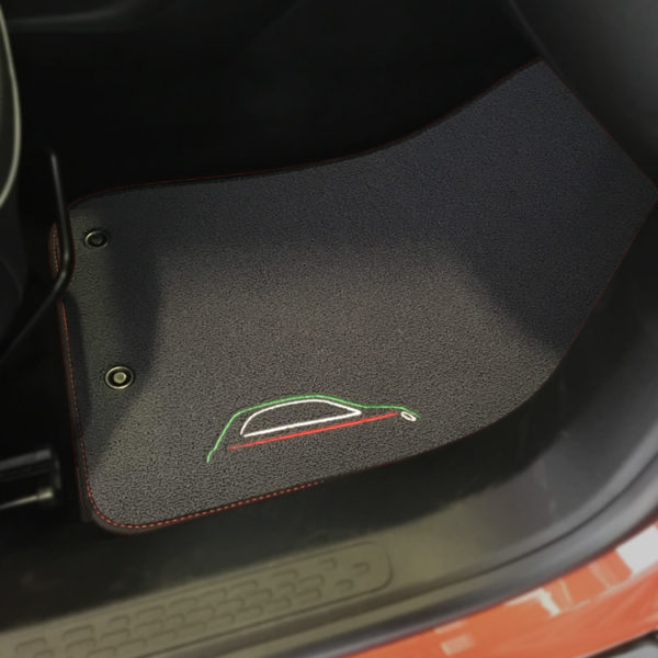 FIAT 500X Floor Mats by 500|SPEEDLAB Grey with Italia Logo Passenger