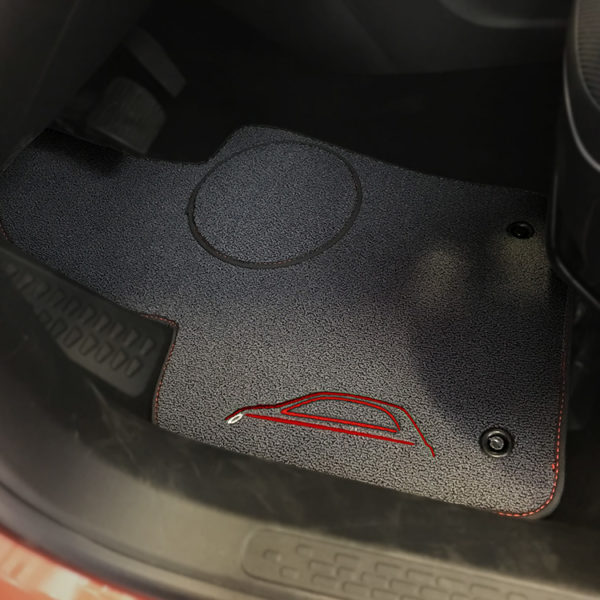 FIAT 500X Floor Mats by 500|SPEEDLAB Grey with Red Logo Driver